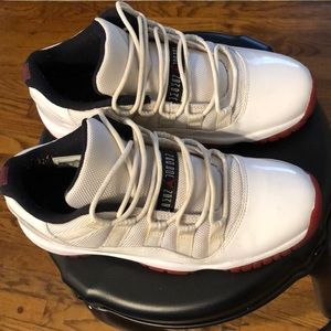 Jordan 11 Retro Low Top Red White
